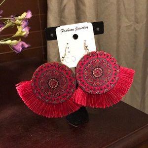 Jewelry - New Wood Tassel earrings!! Red